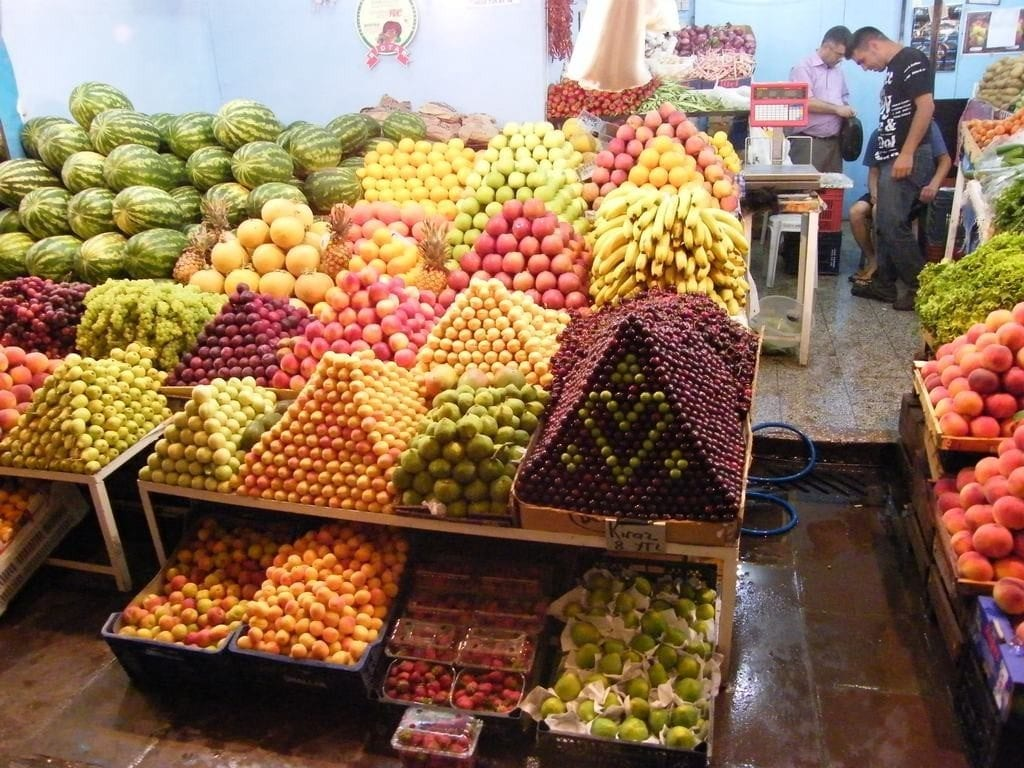 fruits-in-a-shop